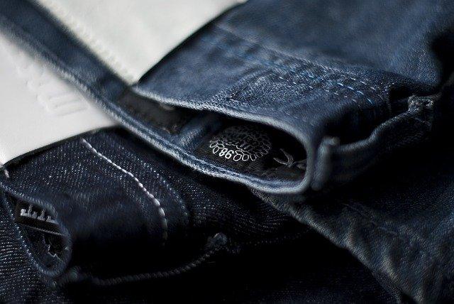 étiquettes pour vêtements