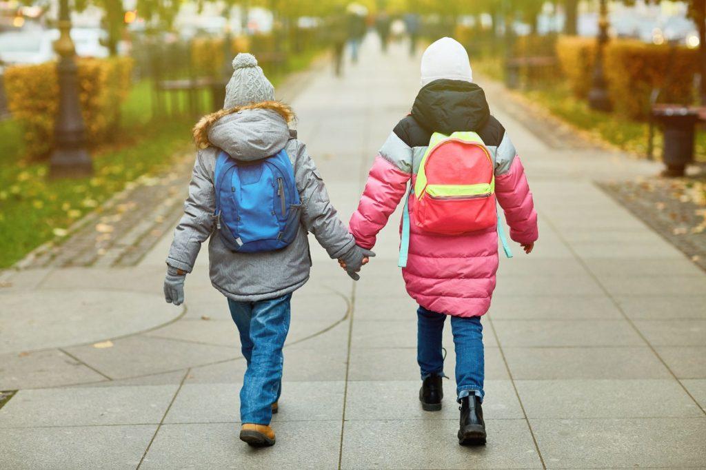 Pourquoi est-il bon que les enfants aillent à l'école à pied ?