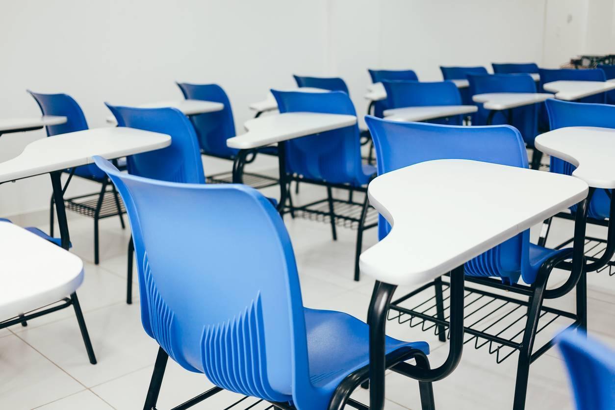 chaises d'élèves